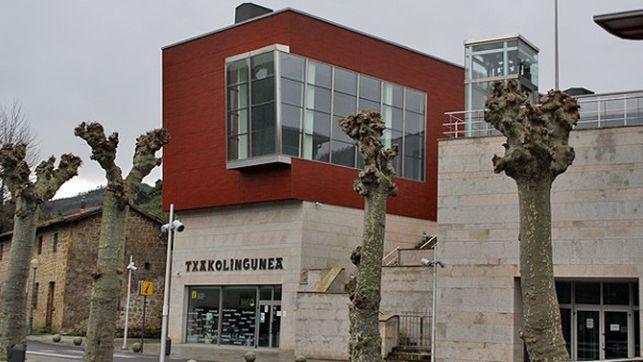 Edificio-Txakoligune-Bakio-permanece-cerrado
