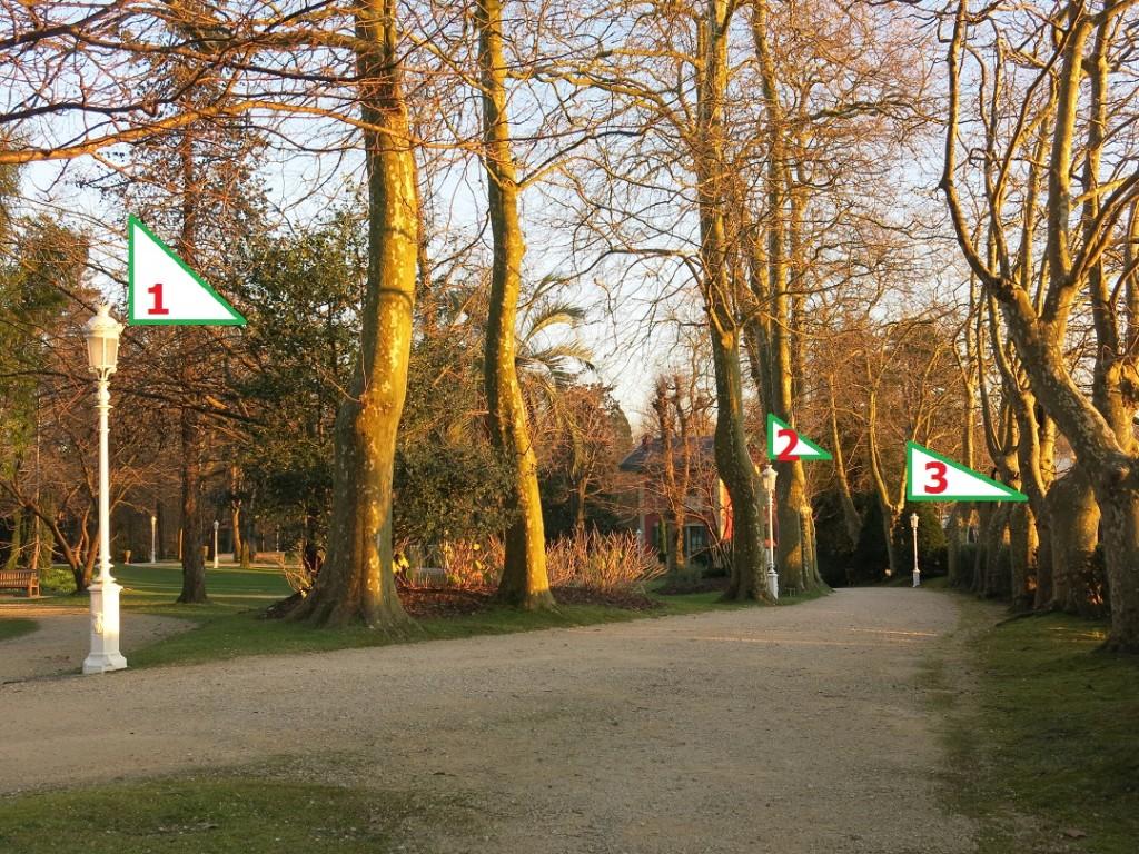 Estas tres farolas de los bellos jardines del palacio de for Farolas de jardin