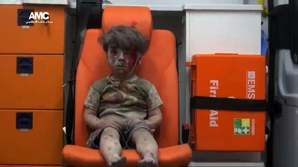 un ataque de la Fuerza Aérea de siria en Alepo